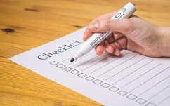 Checkliste mit Kriterien und Tipps für Kauf Gartenbank aus Holz